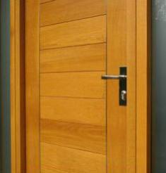 m puerta moderna de madera