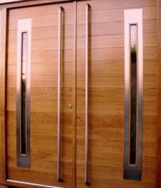 Puertas de madera de l nea moderna for Puertas de ingreso principal casas