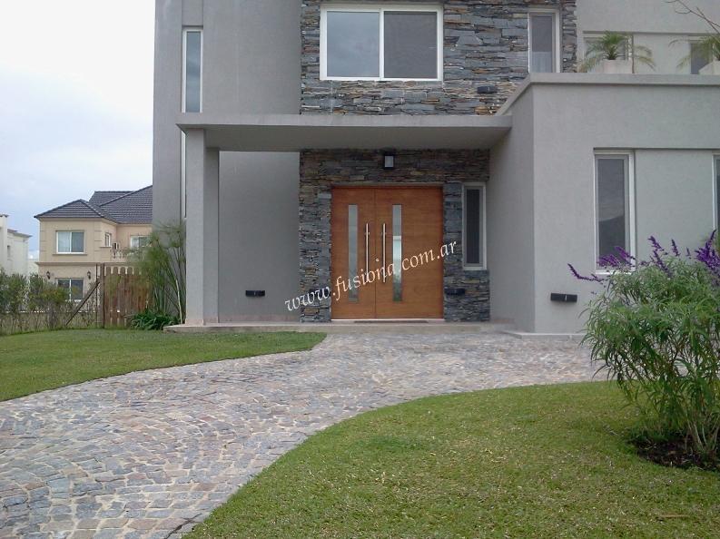 Mas modelos de puertas de entrada modernas de madera for Modelos de puertas de madera modernas